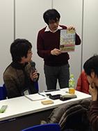 発表の前に新刊の告知をすることになった坂本さん