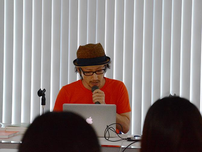 森田 壮さんのセッション。選びぬかれた便利なパッケージを紹介してくださいました。